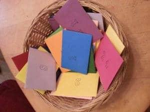 24 kleine Briefumschläge mit darin märchenhaften Geschichten - von Edelfrosch Ruth Frobeen